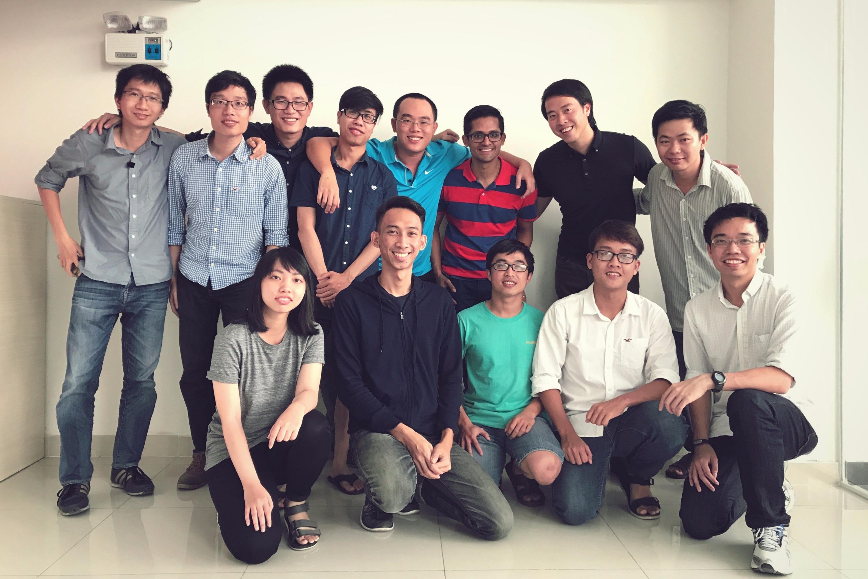Holistics team
